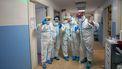 Een foto van zorgmedewerkers op een intensive care in Bari in Italië