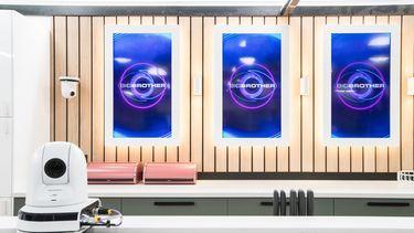 Een foto van het interieur van het Big Brother huis.