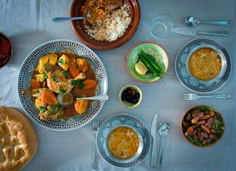 Oproep Moskeeën: Vier ramadan thuis met je gezin.