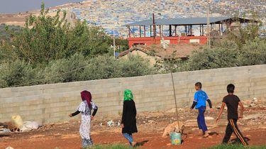 'Twee Nederlandse IS-wezen opgehaald in Syrië'