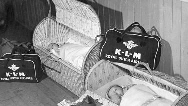 Foto van de rieten babymandjes