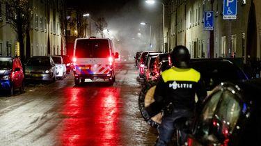 Hagenaar opgepakt voor vuurwerkbom onder politiebus Duindorp