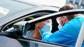 Een coronatestbus van de GGD op campus Woudestein, tijdens de Eurekaweek. Tijdens de introductieweek van de Erasmus Universiteit Rotterdam maken studenten kennis met hun universiteit. De introductieperiode vindt dit jaar wegens het coronavirus in aangepaste vorm plaats.