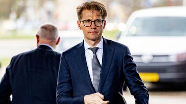 Een foto van minister Dekker van Rechtsbescherming
