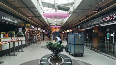 Foto van winkels op Schiphol Plaza