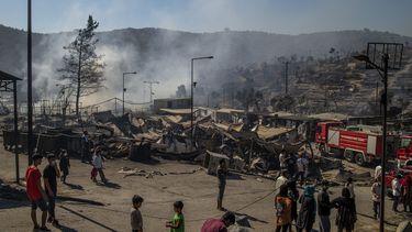 Op deze foto is het vluchtelingenkamp gezien, waar in de nacht van dinsdag op woensdag een brand uitbrak.