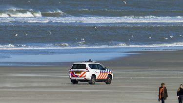 Een foto van het strand en de Noordzee bij Ameland