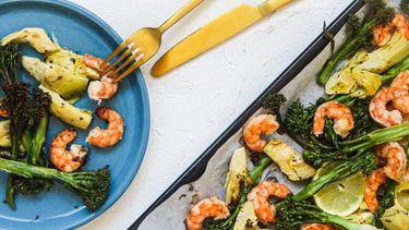 Wat eten we vandaag? Gamba's met bimi, artisjok en knoflookboter