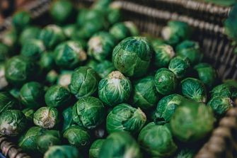 Een foto van gezonde groenten: spruitjes