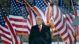 Een foto van Donald Trump, zijn vijf advocaten zijn opgestapt