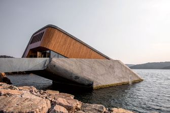 underwater restaurant restaurant Norway