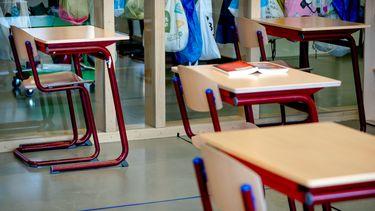 Middelbare scholieren gespreid naar school