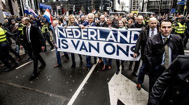 PVV-Kamerleden schamen zich voor 'debiele' lokalen