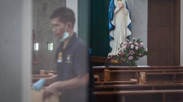 Man met zwaard valt kerkgangers in Indonesië aan