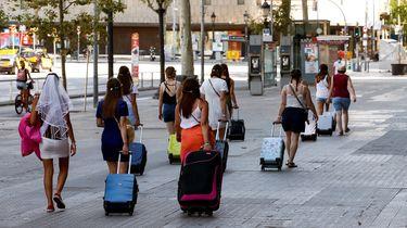 Volgens de Spaanse regering is het in Spanje veilig en is een verplichte quarantaine na terugkomst niet nodig.